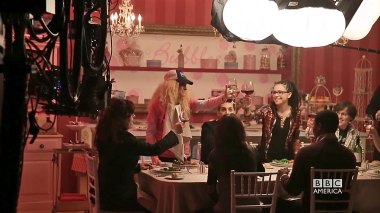 OrphanBlack_seasonFinale_Diner